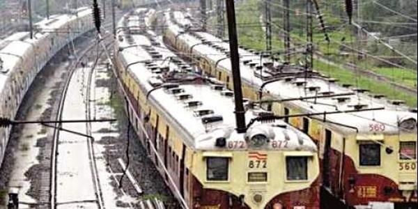 train stopped cyclone க்கான பட முடிவு