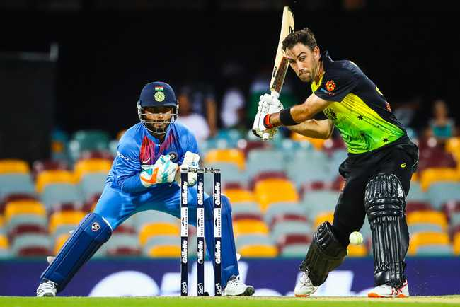 Maxwell's blitz towards the end carried Australia to 158/4 in 17 overs.