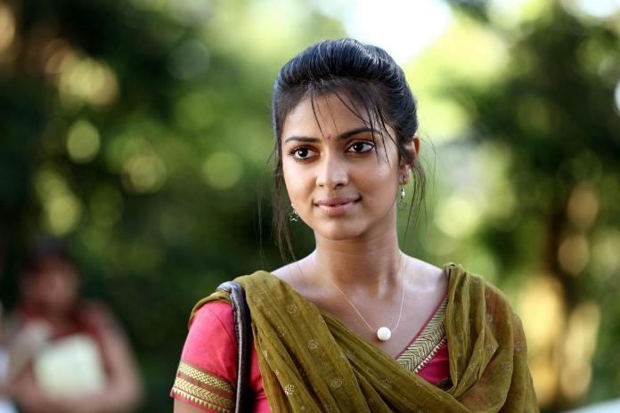 https://cdn.tamilspark.com/media/17419zg4-Charge-Sheet-on-Actress-Amala-Paul-696x464.jpg