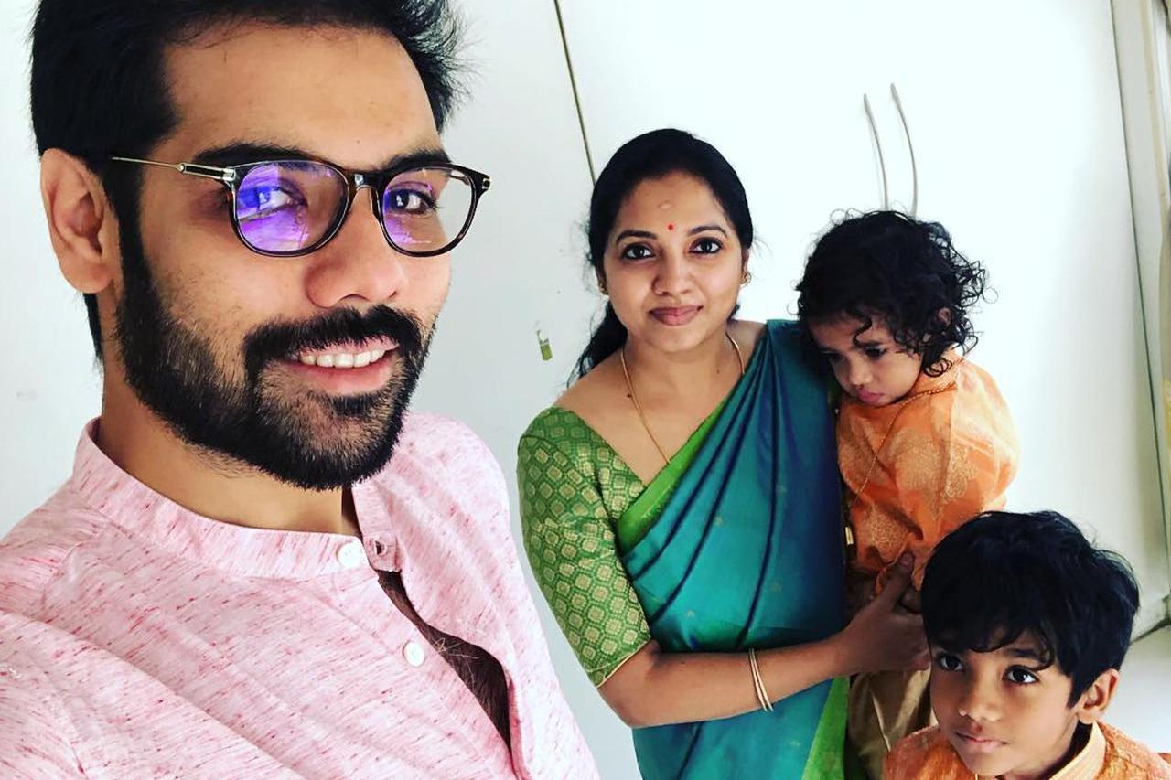 https://cdn.tamilspark.com/media/180733af-Sibiraj-Family.jpg