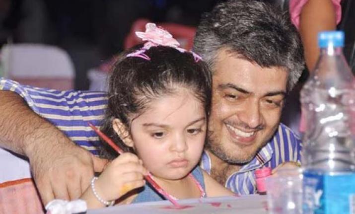 ajith with daughter க்கான பட முடிவு