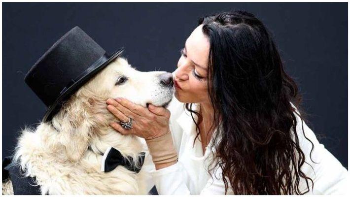 எலிசபெத் ஹோட் with her dog க்கான பட முடிவு