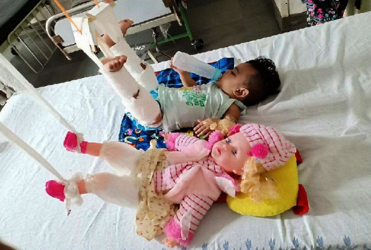 Image result for Doctors treat baby girl doll before her
