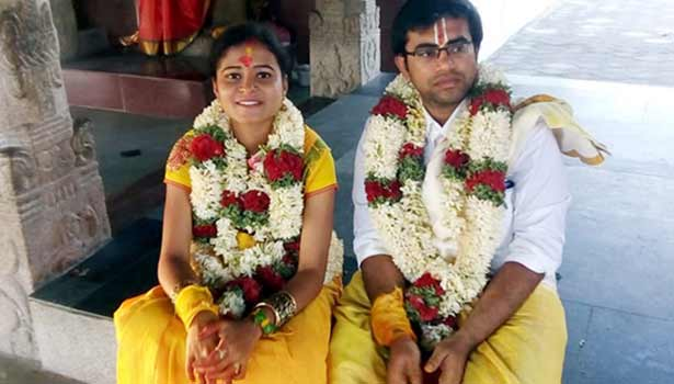 இரண்டாவது மனைவி அனுப்பிரியாயுடன் அரங்க அரவிந்த தினேஷ்