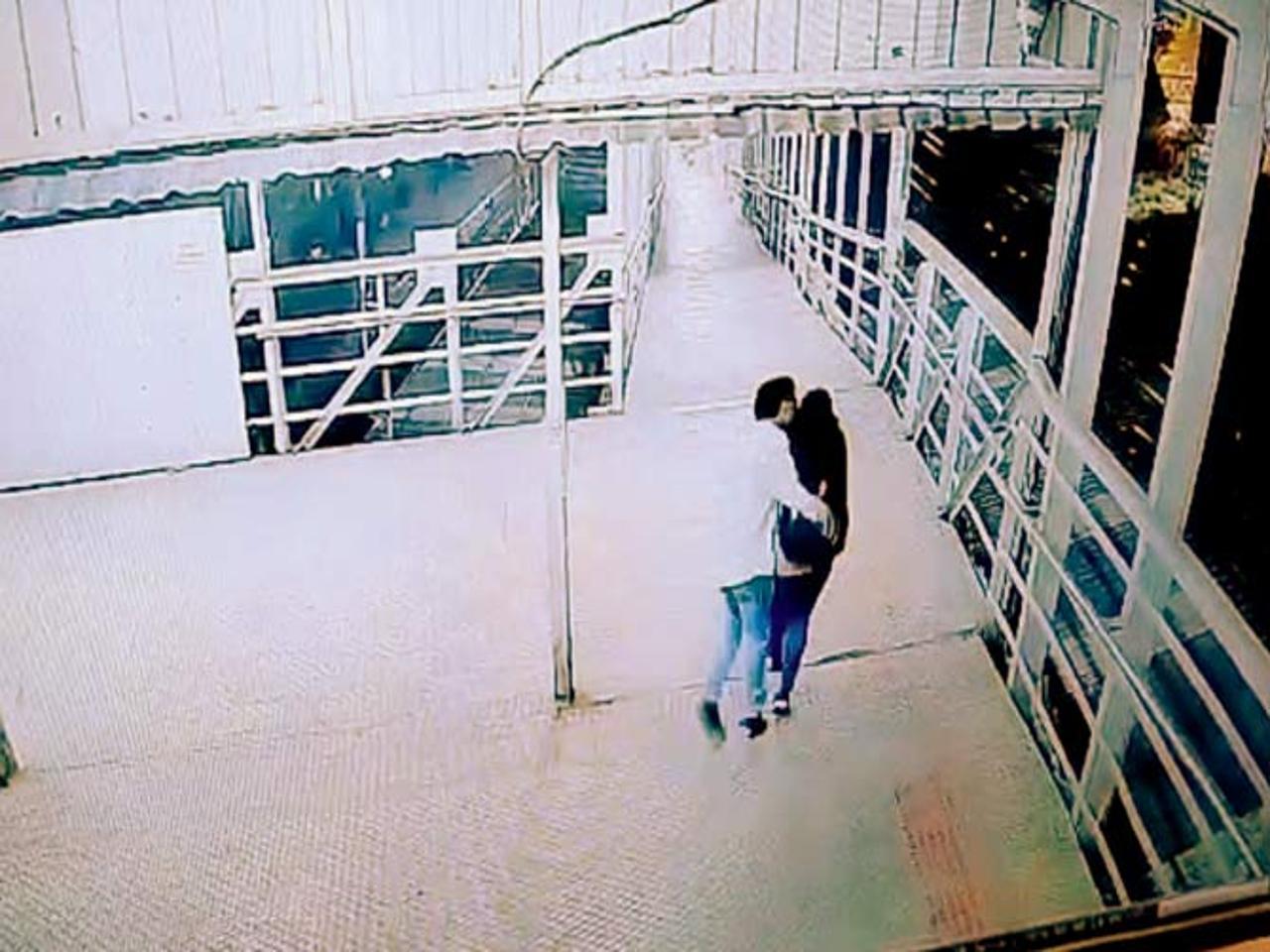 man accused of brazenly molesting women on a railway bridge at Matungaக்கான பட முடிவுகள்