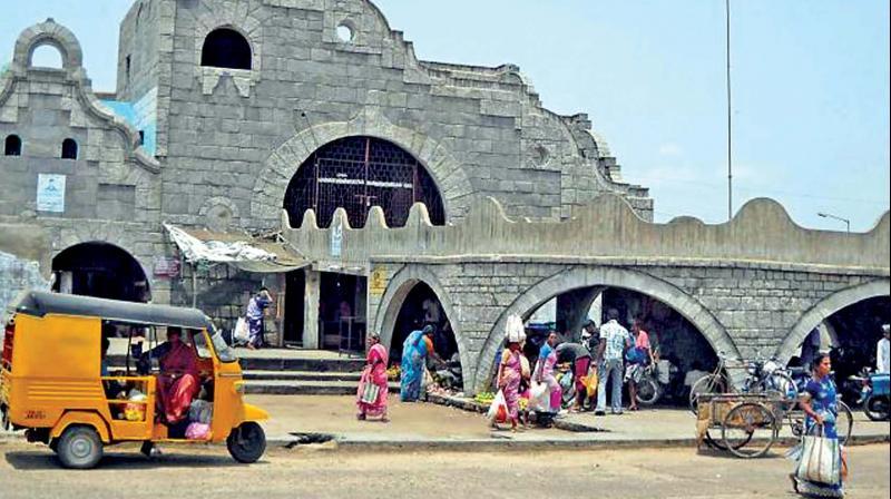 Why can't civic body take over Koyambedu market?