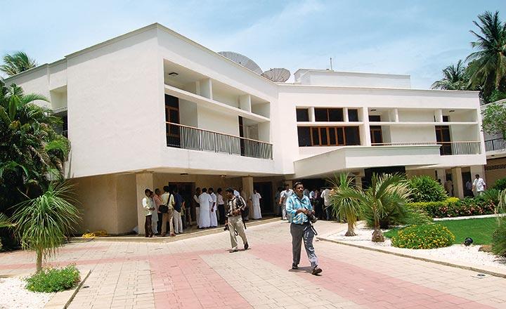 A Litany Of Woes: Why Jayalalitha's Posh Chennai Bungalow Has ...
