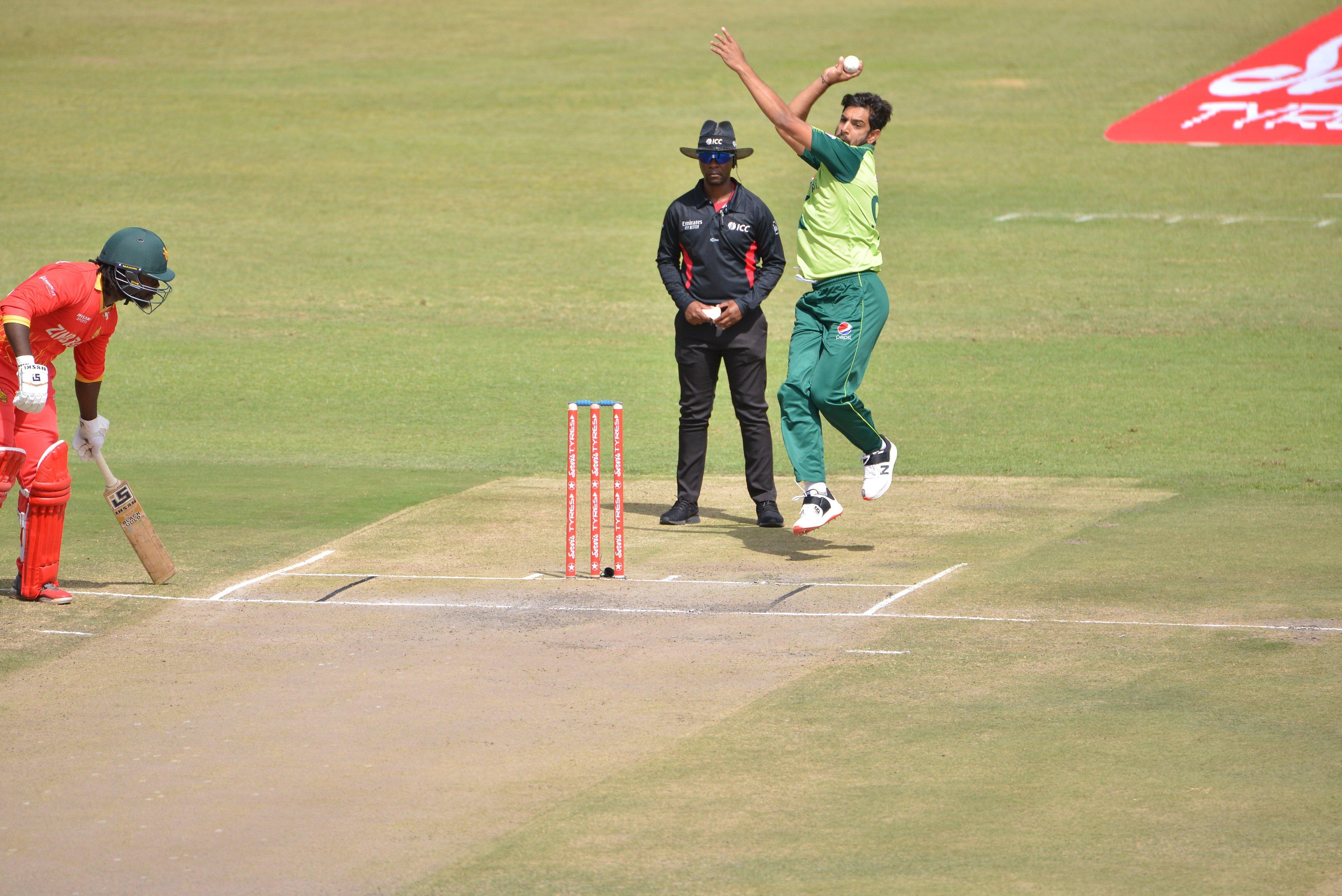 Pak bowler's bouncer breaks Zimbabwean batsman's helmet into two