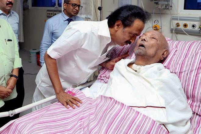 karunanidhi in hospital க்கான பட முடிவு