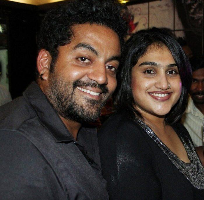vanitha with robert க்கான பட முடிவு
