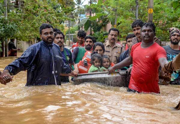 prayforkerala, KeralaFloods2018, KeralaRains ,கேரளா வெள்ளம், பருவமழை,கேரளா கனமழை, அமைச்சர் ராஜ்நாத் சிங், தென்மேற்கு பருவமழை , கேரளா பருவமழை, பேரிடர் மீட்புப் படை, Kerala Flood, Monsoon, Kerala Heavy rain, Minister Rajnath Singh, Southwest Monsoon, Kerala Monsoon, Disaster Rescue Force,Kerala, KeralaFloods ,Mullaperiyar ,KeralaFloodRelief ,KeralaFlooding , KeralaFlood , கேரளா கனமழை,கேரளா வெள்ளம் ,கேரளா மாநிலம் நிலச்சரிவு, Kerala flood relief, Kerala flood relief fund,