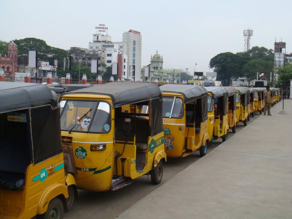 autos in stand க்கான பட முடிவு