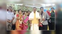 tanjore-sister-gave-the-statue-of-the-father-for-the-we