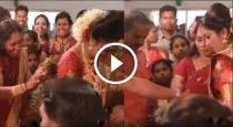 bride-mother-get-blessings-from-daughter-funny-video