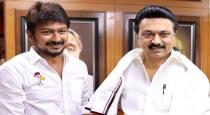 udhayanithi-stalin-meets-his-father-after-his-victory-i