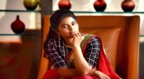 Actress srushti dange changed custome in public toilet