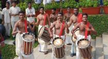 kerala fans invited indian cricket team with warm greetings