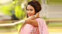 Actress sri reddy warned tamil actor vaaragi