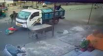 india - gujarath - in old lady accident wastage lorry