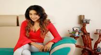 actress-sakshi-agarwal-latest-instagram-photo-goes-vira