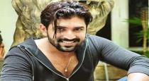 Actor ARun vijay in road side shop viral photos