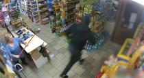 Old lady attack robber video goes viral