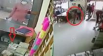 In less than 30 seconds a child stole 10 lakh from a bank CCTV