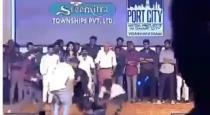 vijay devara konda fall on stage