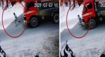 Boy escaped from accident viral video