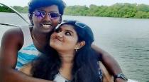 vijay-tv-sarath-wife-gifted-car