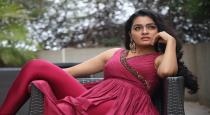 Actress Gayathri viral instagram photo