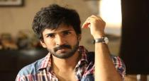 actor-aadhi-haircut-to-his-father