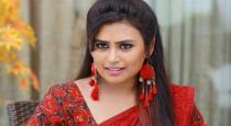 bharathi-kannamma-farina-got-best-villi-award