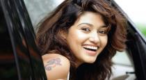 actress-oviya---90ml-after-new-movie---kanesa-meendum-s