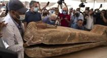 The mummy tomb, which has been sealed for 2500 years, has been opened for the first time.