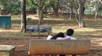 five youngsters attacke lovers in park