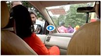 lady-reporter-sent-back-from-sabarimala-video