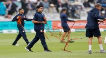 sachin-son-worked-as-stadium-labor-at-london
