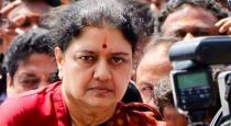 car-damaged-of-a-person-removed-from-the-admk
