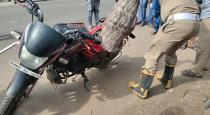 snake-bite-a-man-who-travelled-in-a-bike