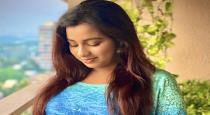 singer-shreya-ghosal-ask-her-baby-name-to-her-fans