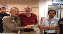 taxi driver returns lost money of american tourist in thailand