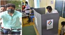 TN CM walk to cast his vote viral photos
