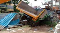 lorry accident in alangudi